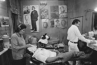 - Nicaragua, the barber shop in the city of Bluefields<br /> <br /> - Nicaragua, la bottega del barbiere nella città di Bluefields
