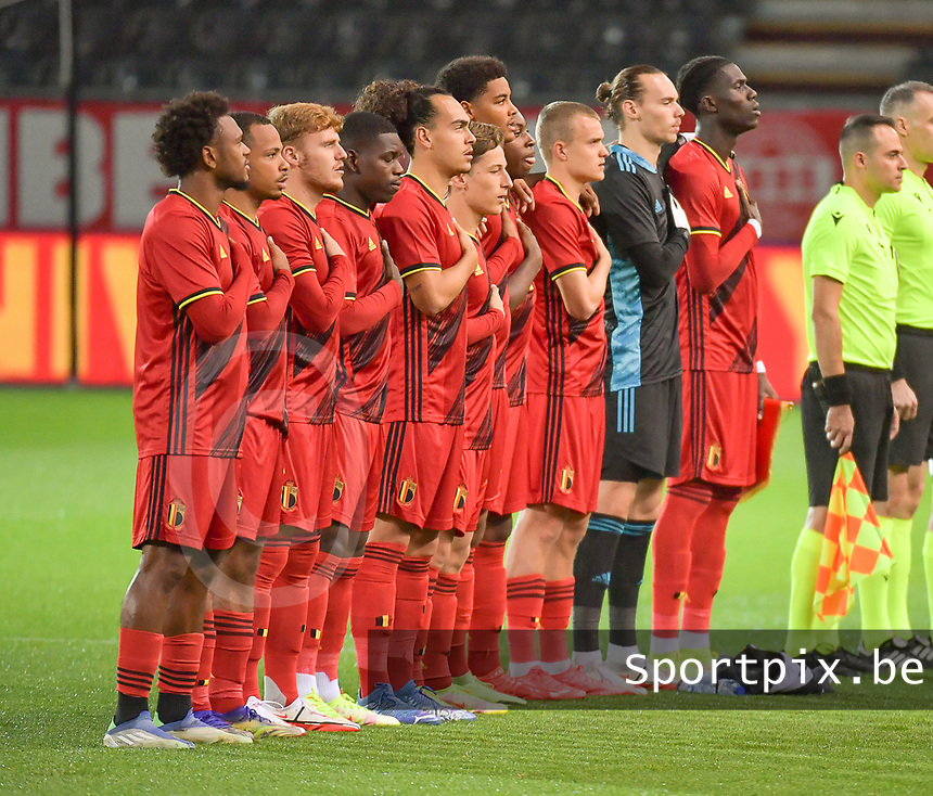 Belgian players at the line up before a soccer game between the national teams Under21 Youth teams of Belgium and Denmark on the fourth matday in group I for the qualification for the Under 21 EURO 2023 , on tuesday 12 th of october 2021  in Leuven , Belgium . PHOTO SPORTPIX | STIJN AUDOOREN
