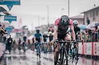 Maglia Rosa / overall leader Simon Yates (GBR/Mitchelton-Scott) rolling in after finishing in the rain<br /> <br /> stage 17: Riva del Garda - Iseo (155 km)<br /> 101th Giro d'Italia 2018