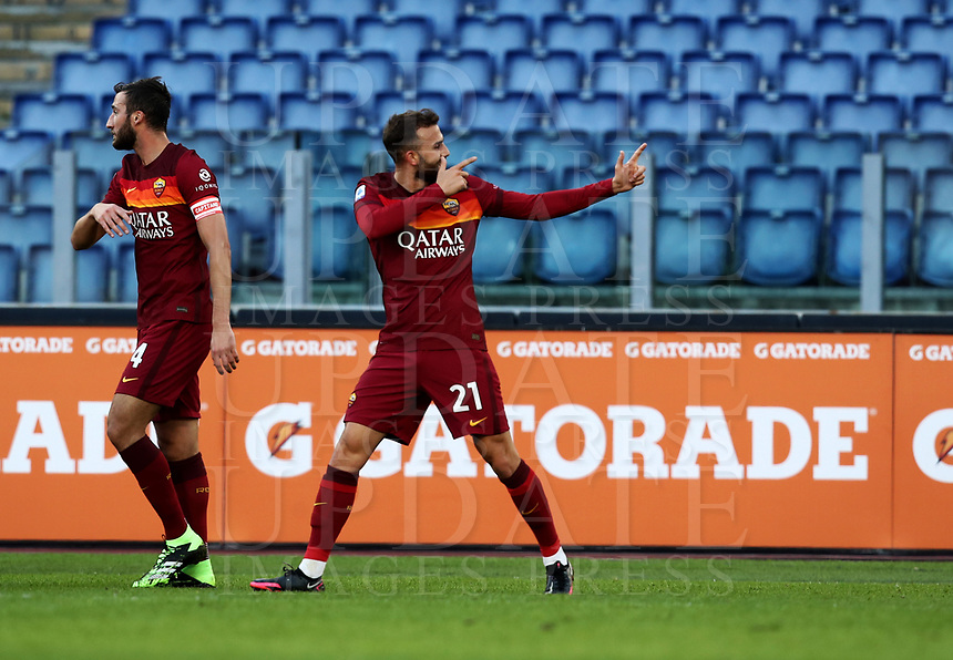 Football, Serie A: AS Roma - Parma, Olympic stadium, Rome, November 22, 2020. <br /> Roma's Borja Mayoral (r) celebrates after scoring during the Italian Serie A football match between Roma and Parma at Rome's Olympic stadium, on November 22, 2020. <br /> UPDATE IMAGES PRESS/Isabella Bonotto