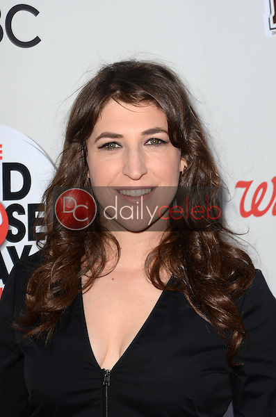 Mayim Bialik<br /> at the Red Nose Day 2016 Special, Universal Studios, Universal City, CA 05-26-16<br /> David Edwards/DailyCeleb.Com 818-249-4998