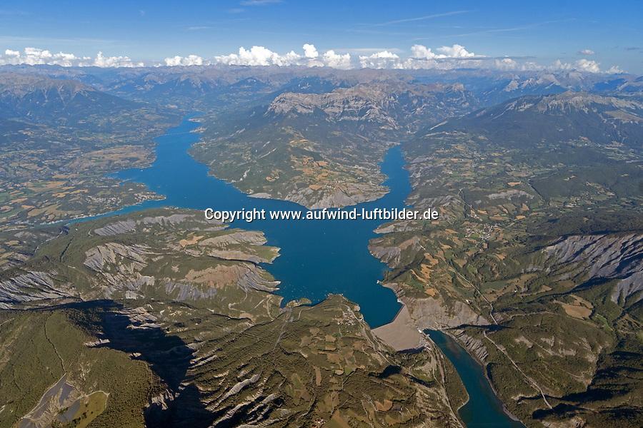 Lac de Serre Poncon:EUROPA,  FRANKREICH, HAUT ALPES 15.08.2020: Lac de Serre Poncon