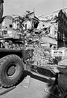 Les cinemas de Montreal dans les annees 80<br /> <br /> Demolition du Cinema YORK, sur la rue Ste-Catherine Ouest, juin 1988