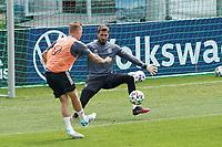 Toni Kroos (Deutschland Germany) trifft gegen Kevin Trapp (Deutschland Germany) - Seefeld 04.06.2021: Trainingslager der Deutschen Nationalmannschaft zur EM-Vorbereitung