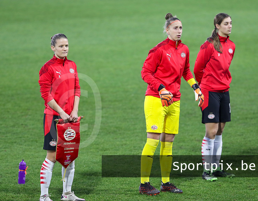 Mandy van den Berg (4 PSV)  and Goalkeeper Sari van Veenendal (1 PSV) pictured before a female soccer game between PSV Eindhoven Vrouwen and Barcelona, in the round of 32, 1st leg of Uefa Womens Champions League of the 2020 - 2021 season , Wednesday 9th of December 2020  in , Eindhoven, the Netherlands. PHOTO SPORTPIX.BE | SPP | SEVIL OKTEM