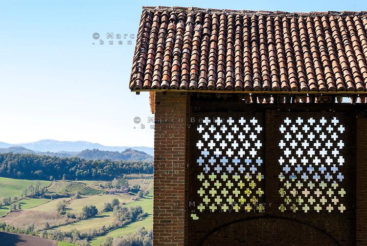Oliva Gessi (Pavia), fienile --- Oliva Gessi (Pavia), barn