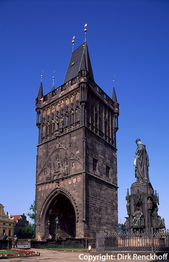 Altstädter Brückenturm mit Denkmal Karl IV, Prag, Tschechien, Unesco-Weltkulturerbe