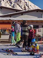 Wintersport, Untermarkter Alm im Ski-Gebiet Hochimst bei Imst, Tirol, Österreich, Europa<br /> winter sportsl, alp  Untermarkter Alm, skiing area Hochimst, Imst, Tyrol, Austria, Europe