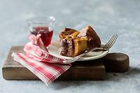 Europe/France/Centre/37/Indre-et-Loire/Vouvray:  Rillons au Vouvray de la Maison Hardouin - Stylisme : Valérie LHOMME  //  Europe/France/Centre/37/Indre-et-Loire/Vouvray:  Rillons, chopped pork cooked in fat, specialties native to Touraine.