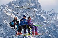 - Cortina d'Ampezzo, Tofana mountain chair lift....- Cortina d'Ampezzo, seggiovia della Tofana