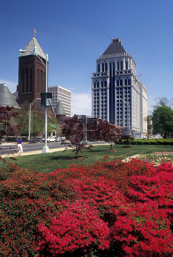 Greensboro, NC, North Carolina, Skyline of downtown Greensboroand azalea