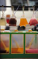 Asie/Malaisie/Bornéo/Sarawak/Kuching: Jus de fruits sur le marché
