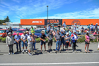 Fans watch stage five of the NZ Cycle Classic UCI Oceania Tour in Masterton, New Zealand on Tuesday, 26 January 2017. Photo: Dave Lintott / lintottphoto.co.nz