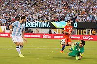 Action photo during the match Argentina vs Chile, Corresponding to Great Final of the America Centenary Cup 2016 at Metlife Stadium, East Rutherford, New Jersey.<br /> <br /> <br /> Foto de accion durante el partido Argentina vs Chile, correspondiente a la Gran Final de la Copa America Centenario 2016 en el  Metlife Stadium, East Rutherford, Nueva Jersey, en la foto: (i-d) Gonzalo Higuain de Argentina, Gary Medel y Claudio Bravo de Chile<br /> <br /> <br /> 26/06/2016/MEXSPORT/Jorge Martinez.