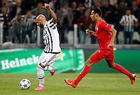 Calcio, Champions League: Gruppo D - Juventus vs Siviglia. Torino, Juventus Stadium, 30 settembre 2015.  <br /> Juventus's Simone Zaza, left, prepares to kick to score during the Group D Champions League football match between Juventus and Sevilla at Turin's Juventus Stadium, 30 September 2015.<br /> UPDATE IMAGES PRESS/Isabella Bonotto