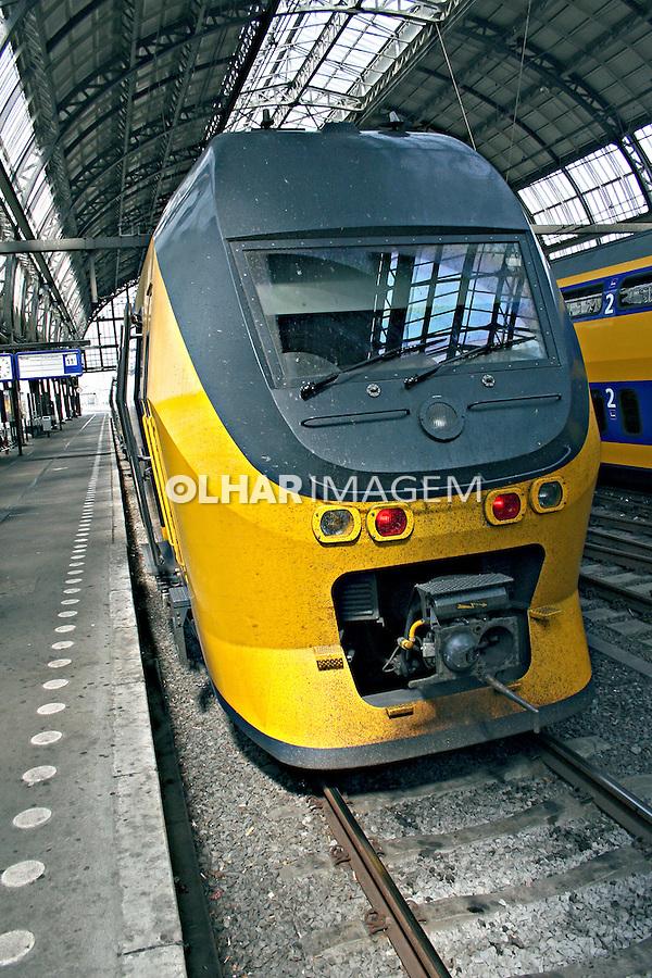 Trem europeu de alta velocidade. Amsterdã. Holanda. 2007.  Foto:Marcio Nel Cimatti.