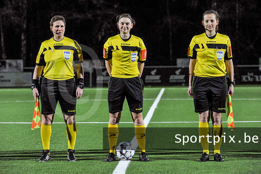 assistant referee Ella De Vries , referee Viki De Cremer , assistant referee Joline Delcroix pictured during a female soccer game between  Racing Genk Ladies and Standard Femina on the 13 th matchday of the 2020 - 2021 season of Belgian Scooore Womens Super League , friday 5 th of february 2021  in Genk , Belgium . PHOTO SPORTPIX.BE | SPP | STIJN AUDOOREN