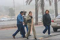 El frío intenso se dejo sentir ayer por la mañana cuando una neblina invadió sectores de la ciudad, algunos posaron en el sol para mitigar un poco las temperaturas. Lugar vado del rio y centro de gobierno