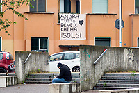 """Milano, periferia nord, pandemia coronavirus. Andrà tutto bene per chi ha i soldi --- Milan, north periphery, coronavirus pandemic. """"Everything is gonna be alright... for those  with money"""