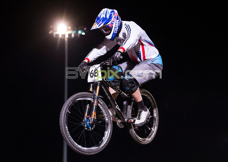 Picture by Alex Broadway/SWpix.com - 08/09/2016 - Cycling - 2016 UCI Downhill World Championships - Commezzadura, Italy -  Scott Beaumont of Great Britain competes in the Men's 4x Qualifying.