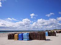 Strandkörbe am Südstrand, Düne, Insel Helgoland, Schleswig-Holstein, Deutschland, Europa<br /> beach chairs at southern beach, dune, Helgoland island, district Pinneberg, Schleswig-Holstein, Germany, Europe
