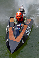 672-M    (Outboard Runabout)