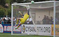 Jennz Branam saves the ball. FC Gold Pride defeated Sky Blue FC 1-0 at Buck Shaw Stadium in Santa Clara, California on May 3, 2009.