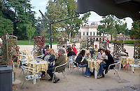 milano, bar al parco sempione. l'arena sullo sfondo --- milan, coffe bar at the sempione park. the arena on the background