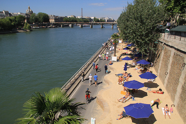 Beach along the Seine River, Paris, France, Europe.
