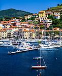 Italien, Toskana, Insel Elba, Porto Azzurro: Yachthafen an der Ostkueste, Golf von Mola   Italy, Tuscany, island Elba, Porto Azzurro: marina at the East coast, Gulf of Mola