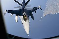 """- caccia USA F 16 """"Fighting Falcon"""" in volo....- F 16  """"Fighting Falcon"""" USA fighters in flight"""