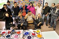 ospedale psichiatrico giudiziario di Castiglione delle Stiviere, l'unico in Italia con reparto femminile. Al suo interno esiste da più di 20 anni un atelier di pittura tenuto dall'artista Silvana Crescini. Psychiatric hospital of Castiglione delle Stiviere, the only psychiatric prison in Italy with women. Inside the judiciary psychiatric hospytal exists an painting atelier