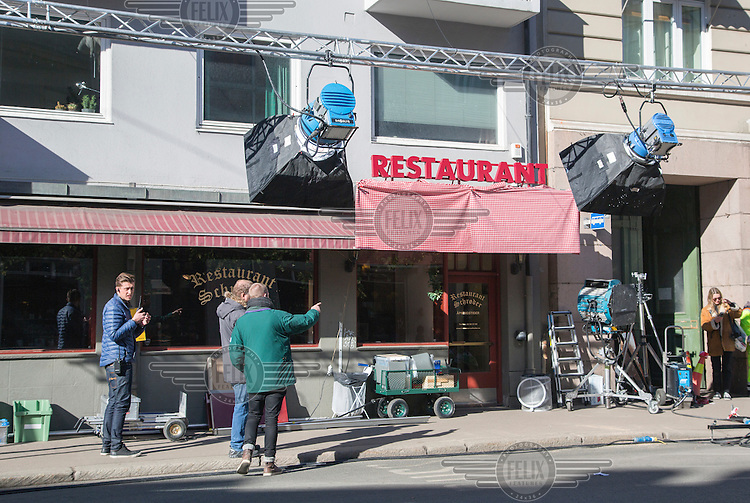 Filming in Restaurant Schroder , main charachter's watering hole. Michael Fassbender star as the hardboiled Oslo detective Harry Hole in Hollywood's long-gestating adaptation of the Jo Nesbø crime novel The Snowman.