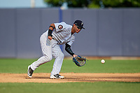Staten Island Yankees second baseman Jesus Bastidas (2) fields a ground ball during a game against the Lowell Spinners on August 22, 2018 at Richmond County Bank Ballpark in Staten Island, New York.  Staten Island defeated Lowell 10-4.  (Mike Janes/Four Seam Images)