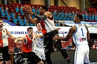 31-03-2021: Basketbal: Donar Groningen v ZZ Feyenoord: Groningen , Feyenoord speler Juan Davis met een rebound