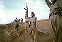 Iraq 2003.Women peshmergas in liberated Kirkuk.Iraqk 2003.Les femmes peshmergas de l'UPK posent dans Kirkuk liberee