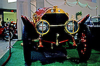 Classic Cars: 1914 Isotta-Fraschini. Head-on.