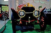 Classic Cars: 1914 Isotta-Fraschini. Head-on.