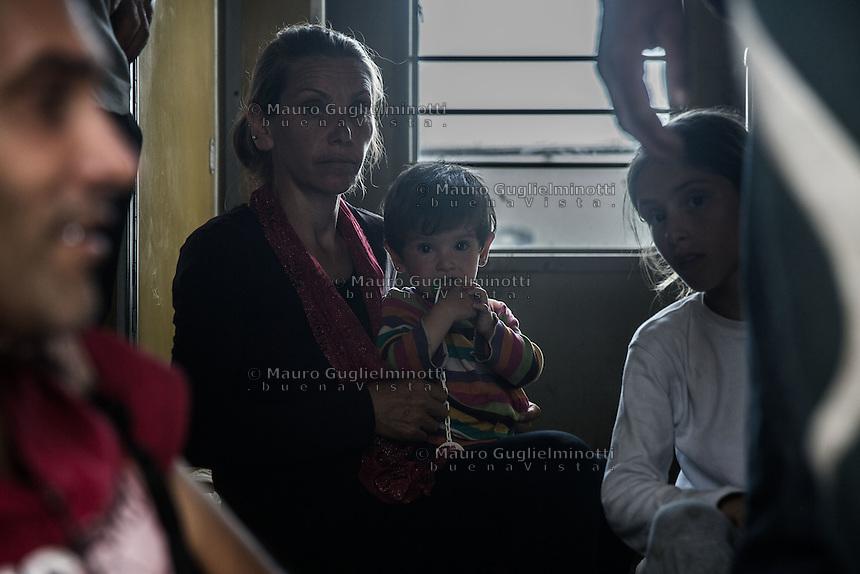 Madre e figlio sul treno  Mother and son on the train