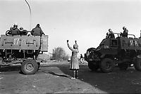 © Paul Weinberg / Panos Pictures..SOUTH AFRICA, Soweto. Unrest Feb. 1986. Vigilantes attack residents - the army moves in.