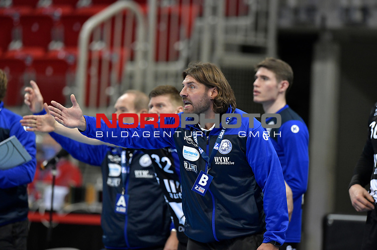 21.11.2020, Duesseldorf, ISS Dome, GER, 1.Liqui Moly HBL,  BHC06 vs. Fuechse Berlin<br /><br />1.Liqui Moly HBL  regulations prohibit any use of photographs as image sequences and/or quasi-video<br />im Bild Trainer Sebastian Hinze ( BHC ).<br />Foto © nordphoto / freund *** Local Caption ***