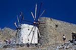 Griechenland, Kreta, Lassithi Hochebene: antike Windmuehlen | Greece, Crete, Lassithi Plateau: ancient windmills