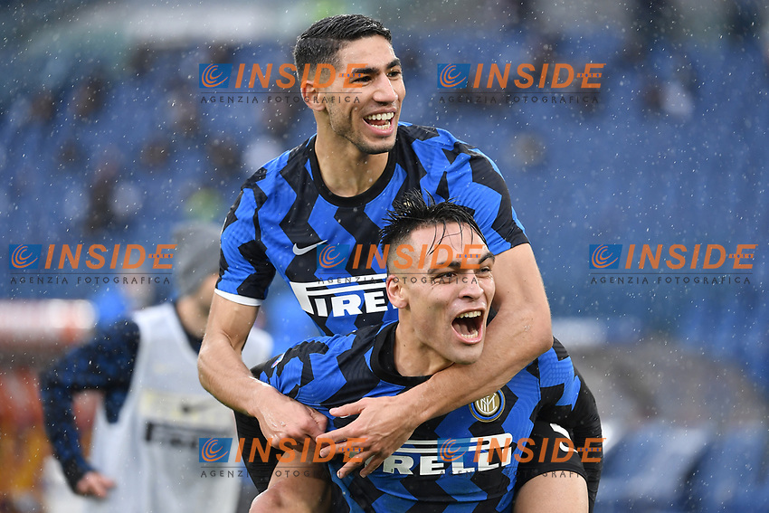 Achraf Hakimi of Inter Celebrates with Lautaro after scoring the 1-2 goal during the Serie A football match between AS Roma and FC Internazionale at Olimpico stadium in Roma (Italy), January 10th, 2021. Photo Andrea Staccioli / Insidefoto