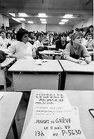Vote de greves des etudiants de l'UQAM, 8 Avril 1987.<br /> <br /> <br /> 1987 File Photo - Montreal, Quebec CANADA -