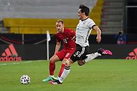 Mats Hummels (Deutschland Germany) klaeert gegen Christian Eriksen (Dänemark, Denmark) - Innsbruck 02.06.2021: Deutschland vs. Daenemark, Tivoli Stadion Innsbruck