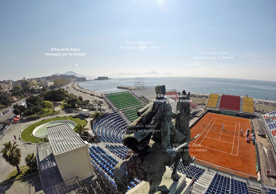 - NAPOLI 31 MAR  2014 -   Lungomare Caracciolo,   l'Arena del tennis, che ospiterà Italia-Gran Bretagna di Coppa Davis, dal 4 al 6 aprile.