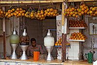 Afrique/Egypte/Le Caire: Marchand de jus de fruits