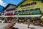 Oesterreich, Salzburger Land, Tennengau, im Lammertal, Abtenau: Marktplatz im Ortszentrum | Austria, Salzburger Land, Tennengau, Valley Lammertal, Abtenau: market square in town centre