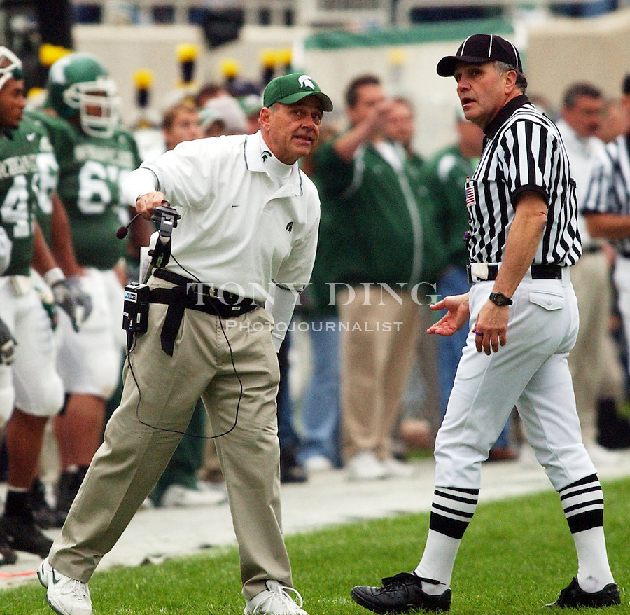during the Wolverines' 27-20 victory over Michigan State on Saturday, November 1, 2003 at Spartan Stadium in East Lansing, Mich. (TONY DING/Daily).