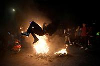 BOGOTA - COLOMBIA, 15-05-2021: Miles de manifestantes se congregaron en el sector de Los Héroes de la ciudad de Bogotá durante el día 18 del Paro Nacional en Colombia hoy, 15 de mayo de 2021, para protestar por la reforma tributaria que adelanta el gobierno de Ivan Duque además de la precaria situación social y económica que vive Colombia. El paro fue convocado por sindicatos, organizaciones sociales, estudiantes y la oposición. / Thousands of protesters gathered at Los Heroes sector of the city of Bogota during the day 18 of the National strike in Colombia today, May 15, 2021, to protest the tax reform carried out by the government of Ivan Duque in addition to the precarious social and economic situation that Colombia is experiencing. The strike was called by unions, social organizations, students and the opposition in Colombia. Photo: VizzorImage / Diego Cuevas / Cont